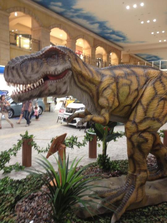 トレッサ横浜にいた動く恐竜