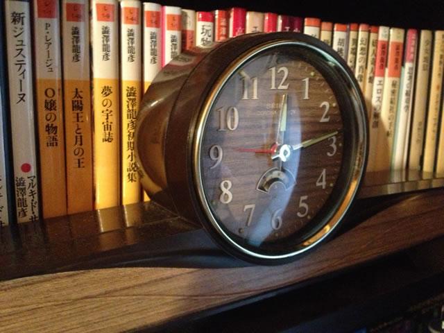 古いSEIKOの置時計(機械式)