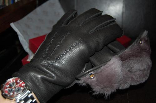 もっさり気味?英国製DENTS(デンツ)の鹿皮ディアスキン・ラビットファー・ライニングの革手袋