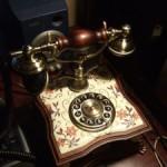 実用インテリア:レトロ・アンティーク風の電話機