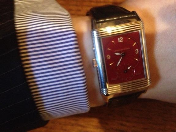 ジャガー・ルクルトの腕時計『レベルソデュオ(JAEGER-LE COULTRE Reverso Duo)』の限定赤文字盤