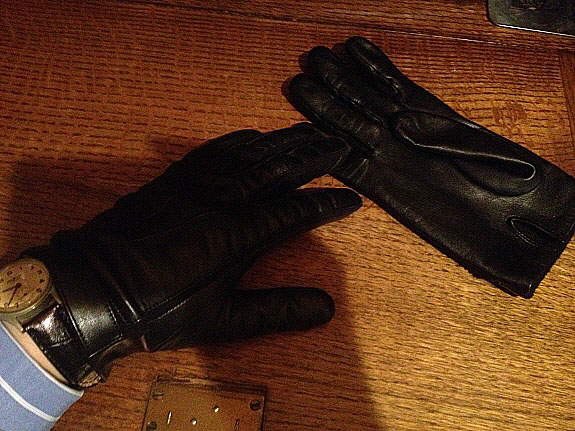 英国シャツメーカーHarvie&Hudson(ハービー&ハドソン)の革手袋・レザーグローブ