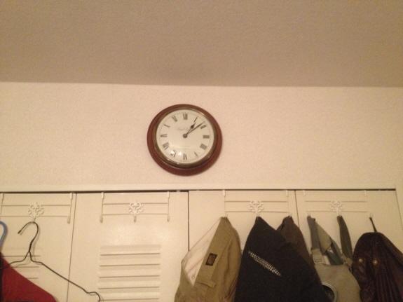 アンティーク風壁掛け時計:Knight & Gibbins Londonの壁掛け時計