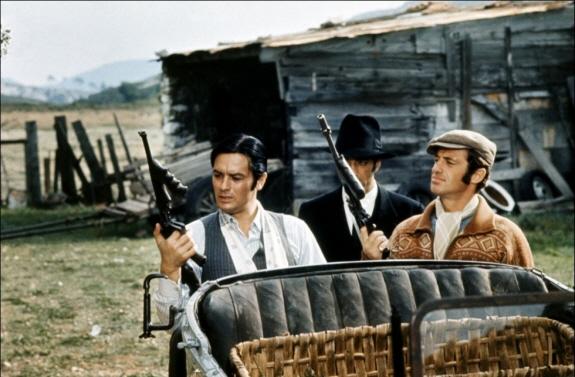 アラン・ドロン、ジャン=ポール・ベルモンド出演の『ボルサリーノ(原題:Borsalino)』映画レビュー