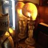 異空間を演出するオウムガイのランプ