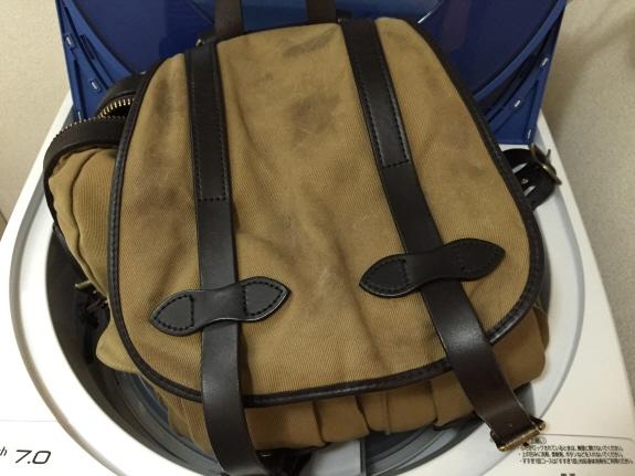 洗ってみた!バッグのエイジング・色落ち記録2:FILSON(フィルソン)のリュックサック