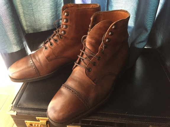 英国靴:チャーチ(Church's)のブーツ