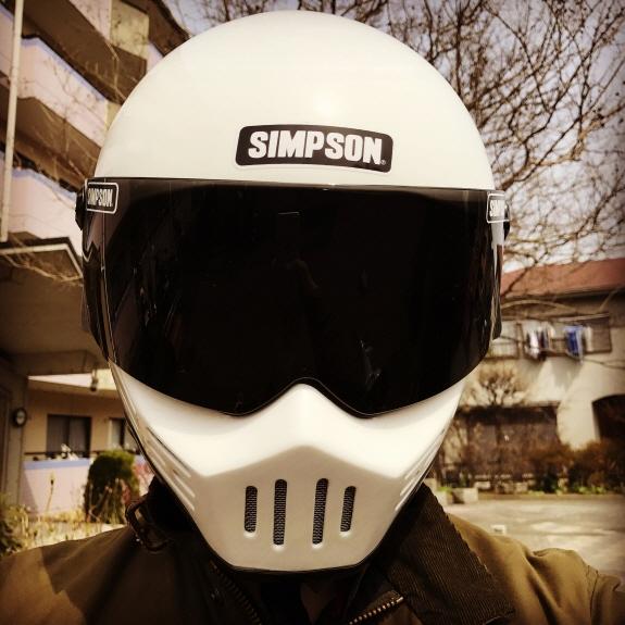 シンプソン(SIMPSON)のヘルメット:M30(MODEL30)にライトスモークシールドを装着